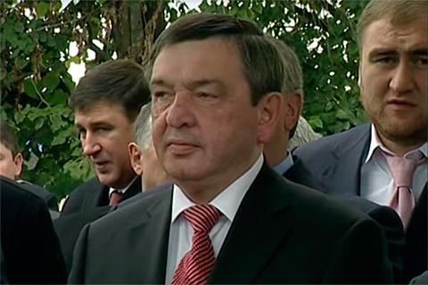 Назир Хапсироков (позади — Рауф Арашуков)