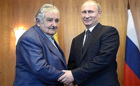 Хосе Мухика и Владимир Путин