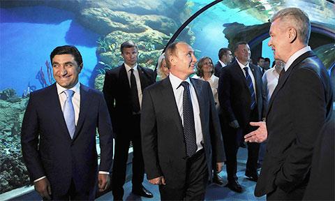 Владимир Путин, Год Нисанов и Сергей Собянин