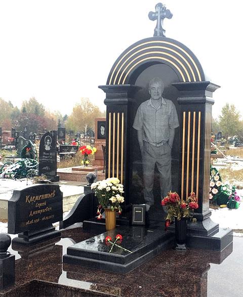 Памятник Сергею Клементьеву на Клещихинским кладбище, Новосибирск
