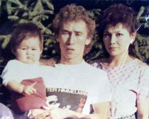 Несипбай Насенов с семьей