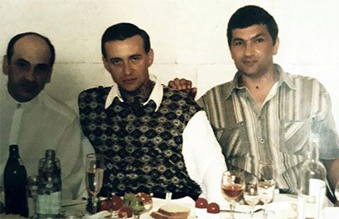 Слева воры в законе: Нугзар Эргемлидзе, Андрей Крылов (Крыл) и авторитет Яков Прусс