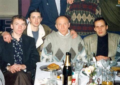 Слева воры в законе: Владимир Клещ (Щавлик), Сергей Акимов (Аким Волгоградский), авторитет Владислав Шуськин (Комиссар), вор в законе Александр Окунев (Огонек)