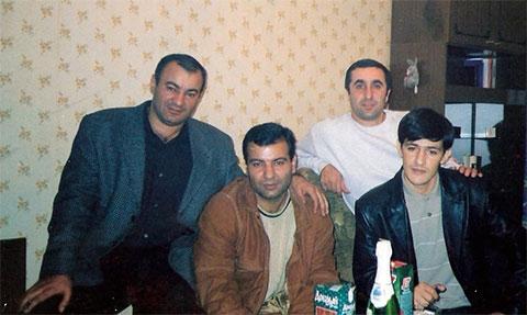Впереди воры в законе: Давид Озманов (Дато Краснодарский) и Виталий Авдиян (Витя Тбилисский)