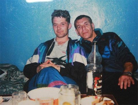 Слева: вор в законе Сергей Бойцов - Боец