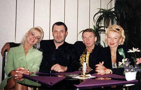 Слева: 2) певец Владислав Медяник, вор в законе Владимир Клещ (Вова Щавлик), 4) Елена Вайда