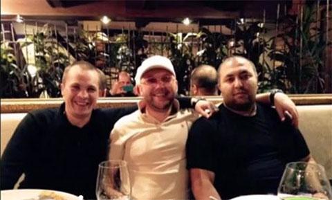 Слева воры в законе Максим Новиков (Макс Пионер), Денис Макс (Дэн Бобруйский) и Талех Даглиев (Толик Ногинский)