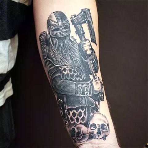 Татуировка викинг и черепа (фото)