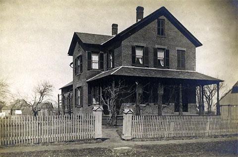 Дом для престарелых Эми Дагган Арчер-Гиллиган