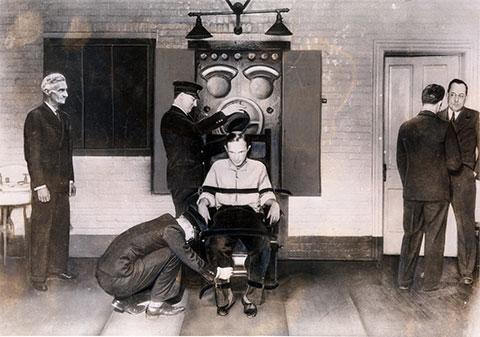 Первые казни на электрическом стуле