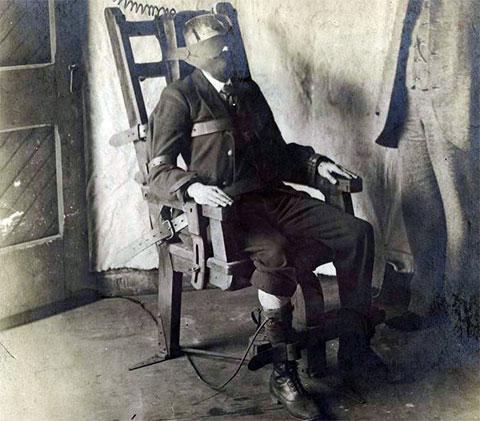 Казнь на электрическом стуле фото