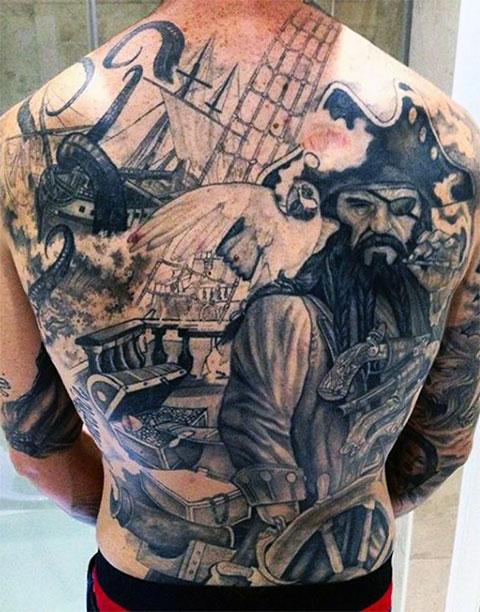 Татуировка с пиратом