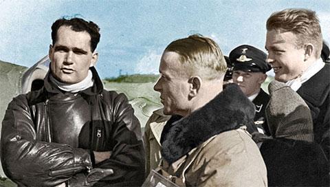 Слева: Рудольф Гесс