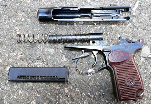 Неполная разборка пистолета ПМ