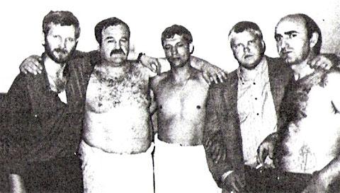 Слева воры в законе: Сергей Полубинский (Дуба), Элгуджа Кублашвили (Гижуа), Герман Ложенцов (Гера Горьковский), Владислав Леонтьев (Белобрысый) и Роланд Гегечкори (Шляпа)