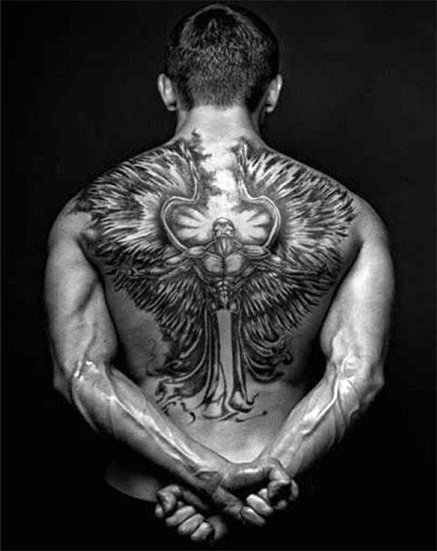Тату ангела во всю спину у мужчины