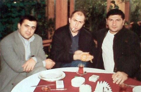 Слева воры в законе: Артык Дабчаев, Муслим Хасханов и Отар Бадалов