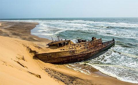Кладбище кораблей - фото