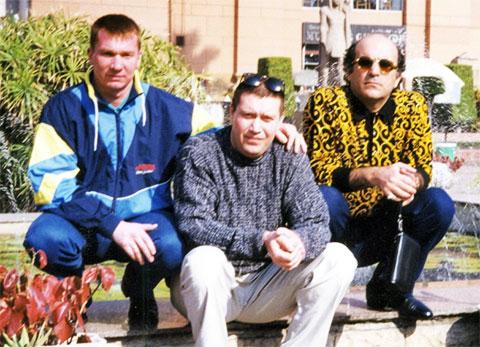 Слева воры в законе: Владимир Штейгервальд (Штакет), Андрей Трофимов (Трофа) и Короглы Мамедов (Каро)