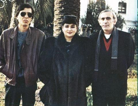 Слева: вор в законе Мераб Джангвеладзе (Мераб Сухумский), справа: вор в законе Вахтанг Чачанидзе (Вахо), 1990 год, Сухуми