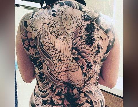 Карпы во всю спину - фото татуировки