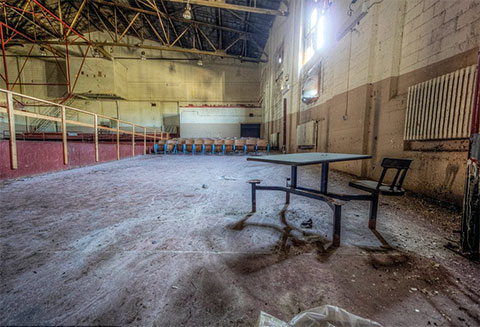 В производственном цеху заброшенной тюрьмы
