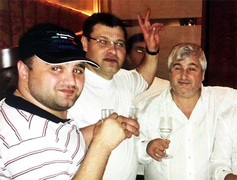 Слева воры в законе: Махаре Гварамия (Маци), Алексей Гудына (Леха Иркутский), Владимир Вагин (Вагон)
