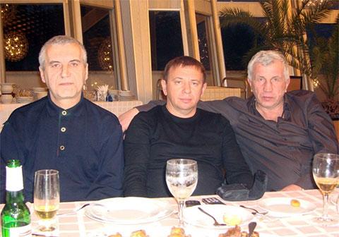 Слева воры в законе: Валерий Шеремет (Шарик), Анатолий Якунин (Сенька Самарский) и Сергей Лысенко (Лёра Сумской)