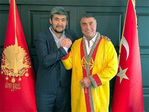 Слева: Арман Джумагельдиев (Арман Дикий) и Седат Пекер