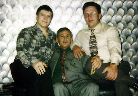 Слева воры в законе: Сергей Липчанский (Сибиряк) и Чингиз Ахундов (Седой)