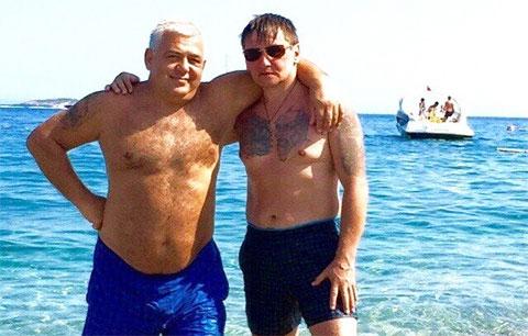 Слева воры в законе: Владимир Жураковский (Вова Пухлый) и Александр Кушнеров (Саша Кушнер